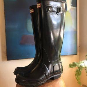 Hunter size 7 black boots